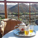 穴場カフェ、壮大なアトラス山脈の景色