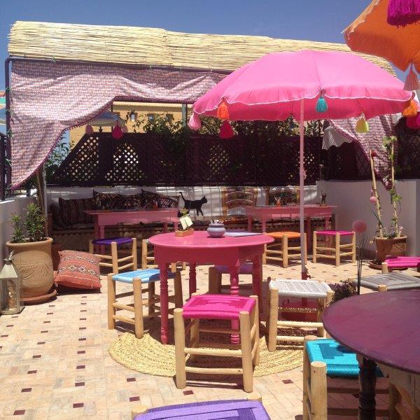 Warda la Mouch Bis Cafe