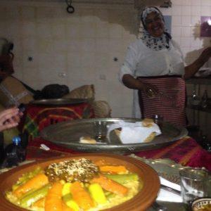 マラケシュでおいしいクスクスが食べられるのはすごい事、おかあさん手作りの味です