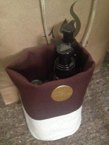 ポッションとはこんな袋です、意外とたくさん物が入ります。