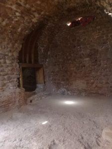 Aghmatのハマム遺跡の内部、かなり復元が進んでいる