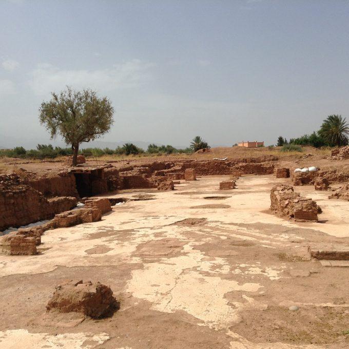 栄枯盛衰を感じるAghmatのモスク跡(11世紀)
