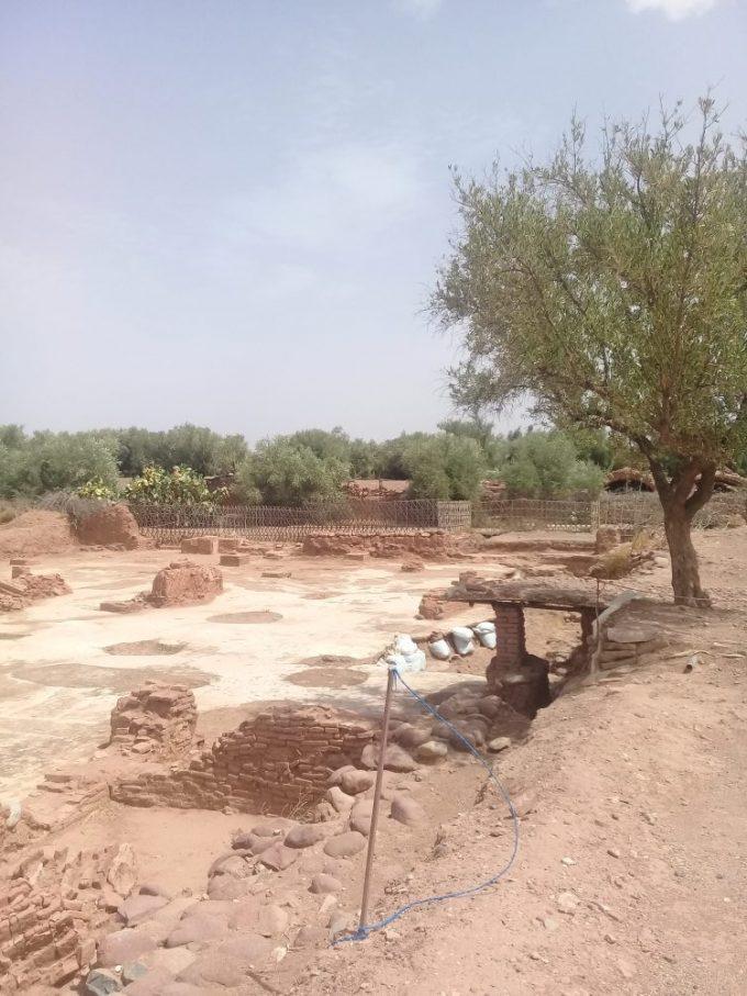 Aghmatモスク跡、メッカの方向を向いたくぼみがあるミハラブ跡